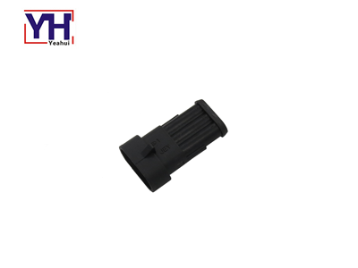 YH2014 Qualified Fiat 3pin Male Connector  For Over Molding Design