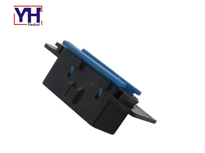 YH1042 Assembly Type OBDII Female Connector With Plastic Enclosure For GM